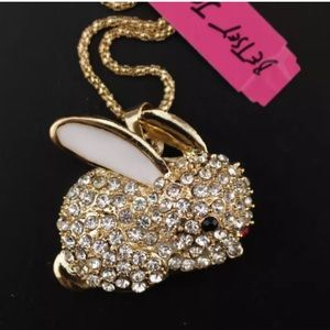 NWT Betsey Johnson rhinestone bunny necklace